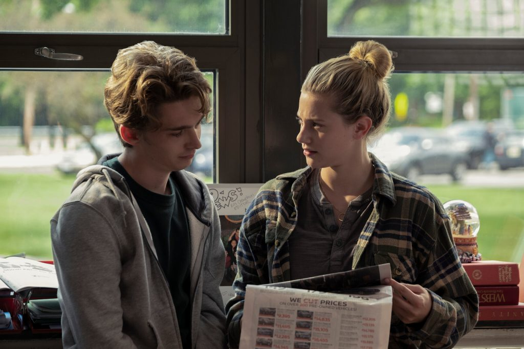 Review Chemical hearts Austin Abrams y Lili Reinhart